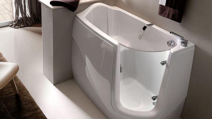 Vasche da bagno con sportello: un aiuto quotidiano